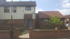 Beautiful 4 Bed Detached House £2600PM **AVAILABLE NOW**