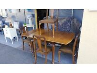 Queen Anne Dining Table & 4 Chairs In Great Condition