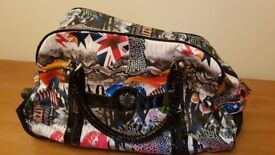 LYDC Patterned Large Holdall with Telescopic Handle and Wheels