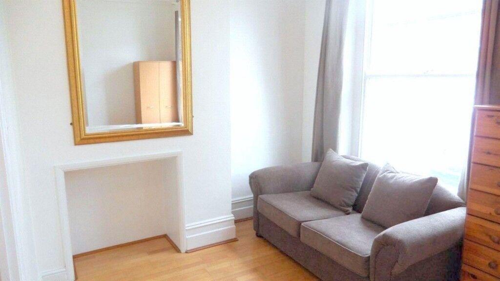 Bright, contemporary studio apartment in West Hampstead