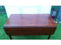 VICTORIAN MAHOGENY PEMOROKE DROP LEAF TABLE WITH DRAWER