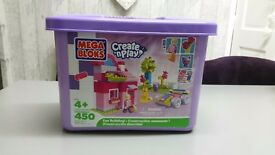Mega bloks create and play