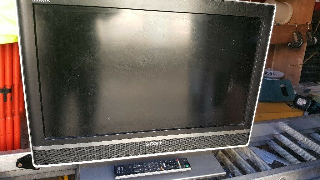 "26"" SONY BRAVA LCD FREE VIEW WITH REMOTE"