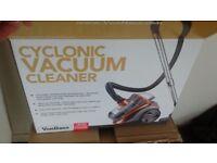 Vacuum Cleaner VonHaus 1200W 2L