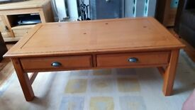 Coffee Table and 2 Matching Side Tables