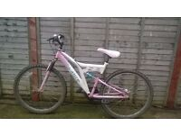 ladies 18 speed front,back suspention sabre mountain bike for sale spares repairs/for parts