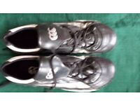 Men's black/white/silver football/rugby boots Canterbury brand, size Uk men's 14. Used twic