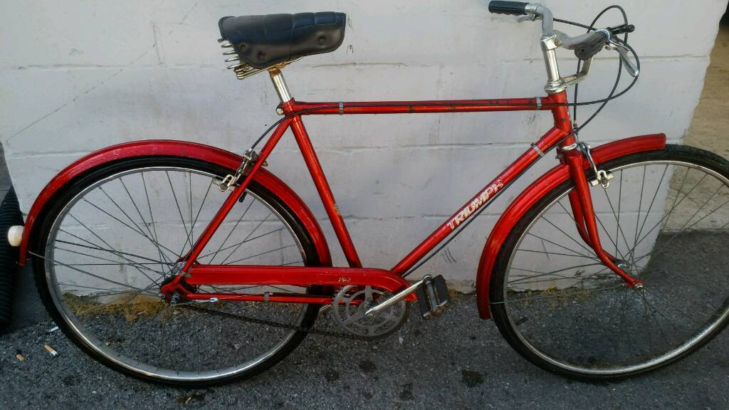 Vintage bicyclein Bournemouth, Dorset - Vintage bicycle Triumph 3speed all in working order just needs a pair of grips call of message to view
