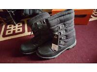Snow boots bnwt