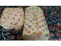 Breastfeeding pillows (2)