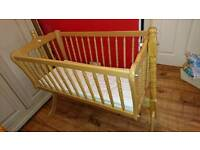 Mamas and Papas Swinging Crib And Play Mat