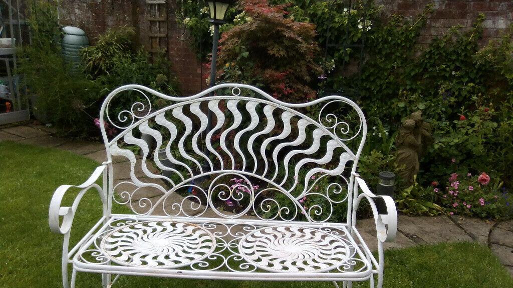 Enjoyable Floral Garden Bench In Redditch Worcestershire Gumtree Lamtechconsult Wood Chair Design Ideas Lamtechconsultcom