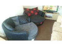 beautiful swivel cuddle chairs x2 can DELIVER