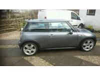 Mini cooper S 2006 72000 Mot'd Oct 17 full panoramic roof electric mirrors half leather