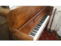 Walnut Berry Piano £200 ONO