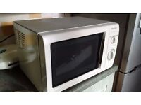 Fully operational microwave oven, model SHARP
