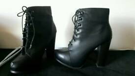 Ladies boots New Look size 6