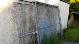 Galvanised dog run with roof and side panels