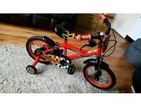 Boys bike age 3-5 with stabilisers