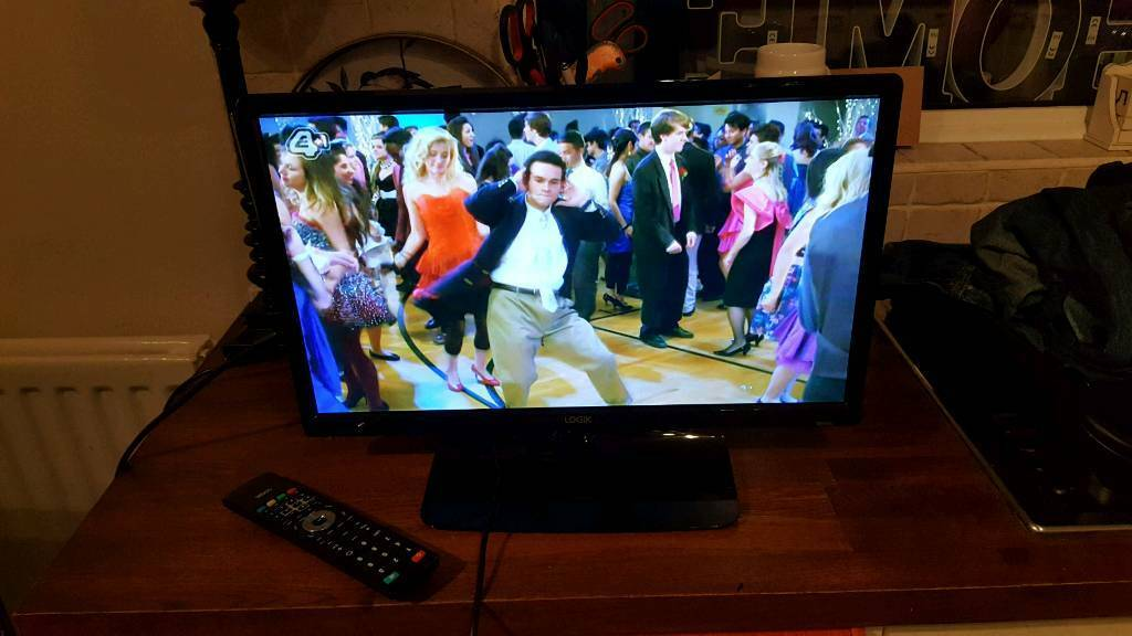 """22"""" led tv as new still with box, manual and remote used a few times as spare tv"""