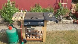 Royal - Calor- Choice 2 Flat Top (Gas BBQ) for sale in great working condition