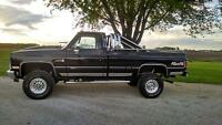 1984 GMC Sierra 2500 high sierra Pickup Truck