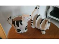 Black and white cat kitchen ornaments teapot