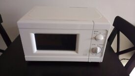 White Microwave Oven - Excellent Condition