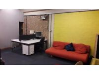 Desks to rent in Video production and photo studio offices in Holloway