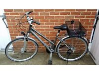 Raleigh women bike in like new condition