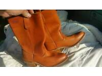 Size 7 Ladies Boots. Never worn