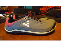 Vivo Barefoot running shoes Size 6 only used a handful of times. good condition