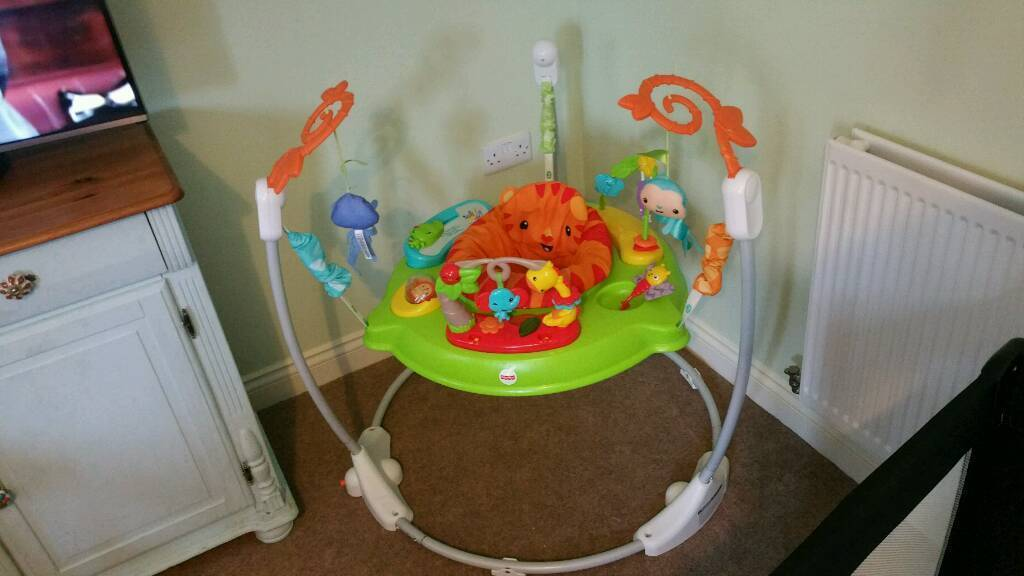 Fisher price roaring rainforest jumperoo excellent