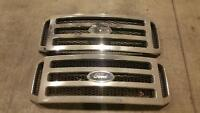 2006 Ford F350 Grille assembly