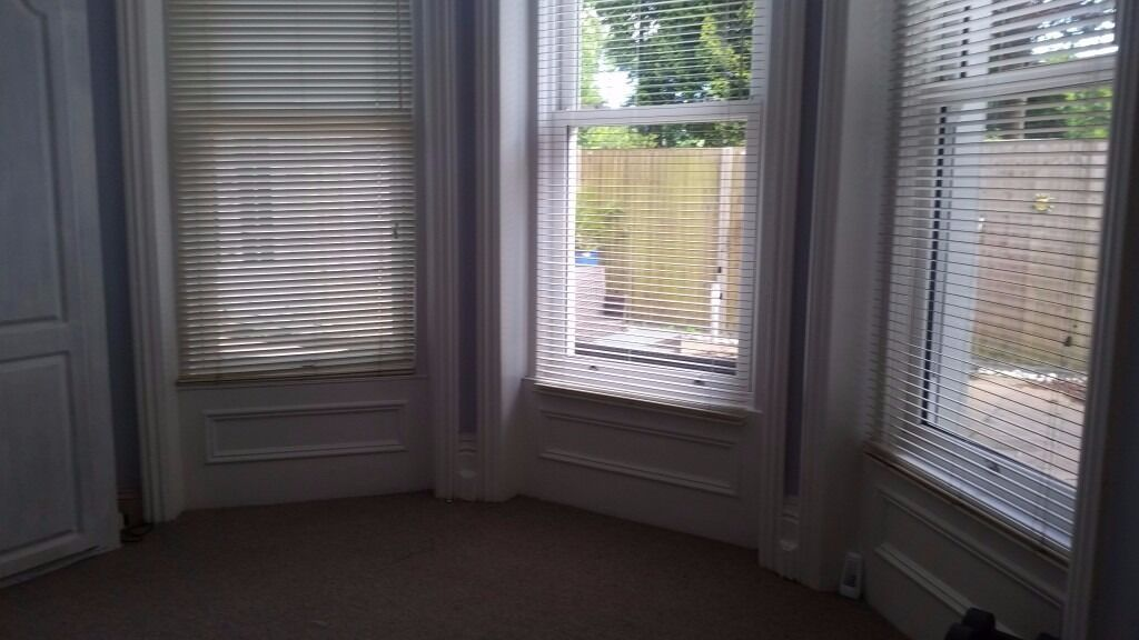 Large double room in a spacious three-bedroom flat