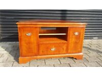 Lovely solid tv stand in good condition.