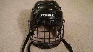 Itech M15S Size Small Youth Hockey
