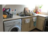 Bright flat near West Hampstead Thameslink Station, available now!!