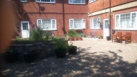 2 bed flat to rent in Beverley, Molescroft £425pcm available 1 August
