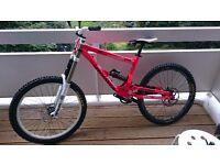 Commencal supreme dh v2 downhill bike