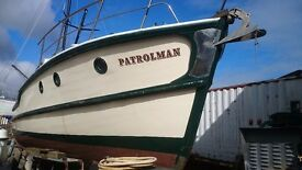 45' CLASSIC WOODEN LAUNCH 4 BERTHS, GARDINER DIESEL,WELL EQUIPPED £24950 JUST REDUCED