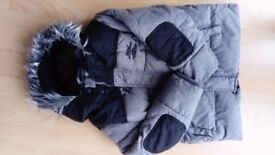 Boy's Grey & Black Winter Coat Age 5 - 6