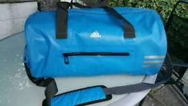 Beautiful!!! Adidas gym,fitness e.t.c bag.