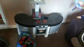 Play kitchen good condition -includes free accessories