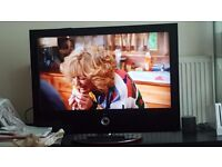 LG 37Inch TV in an excellent condition- w TV Stand - 70£