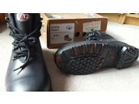 V12 Black Safety Hiker Boots Size 9