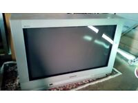Old Panasonic 30 inch flatscreen tv without freeview
