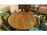 Huge solid pine round dining table lovely condition £100.00