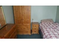 Single bedroom to rent. Ideal for professional commuting to london