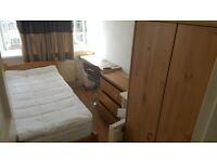 Lovely Single Room to Rent in Shared Flat in Tildesley Road, Southfields